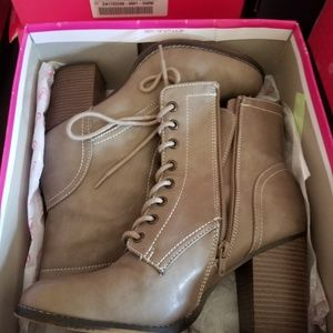 Candies size 10 boots